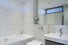 803-twin-bedroom-upstairs-bathroom